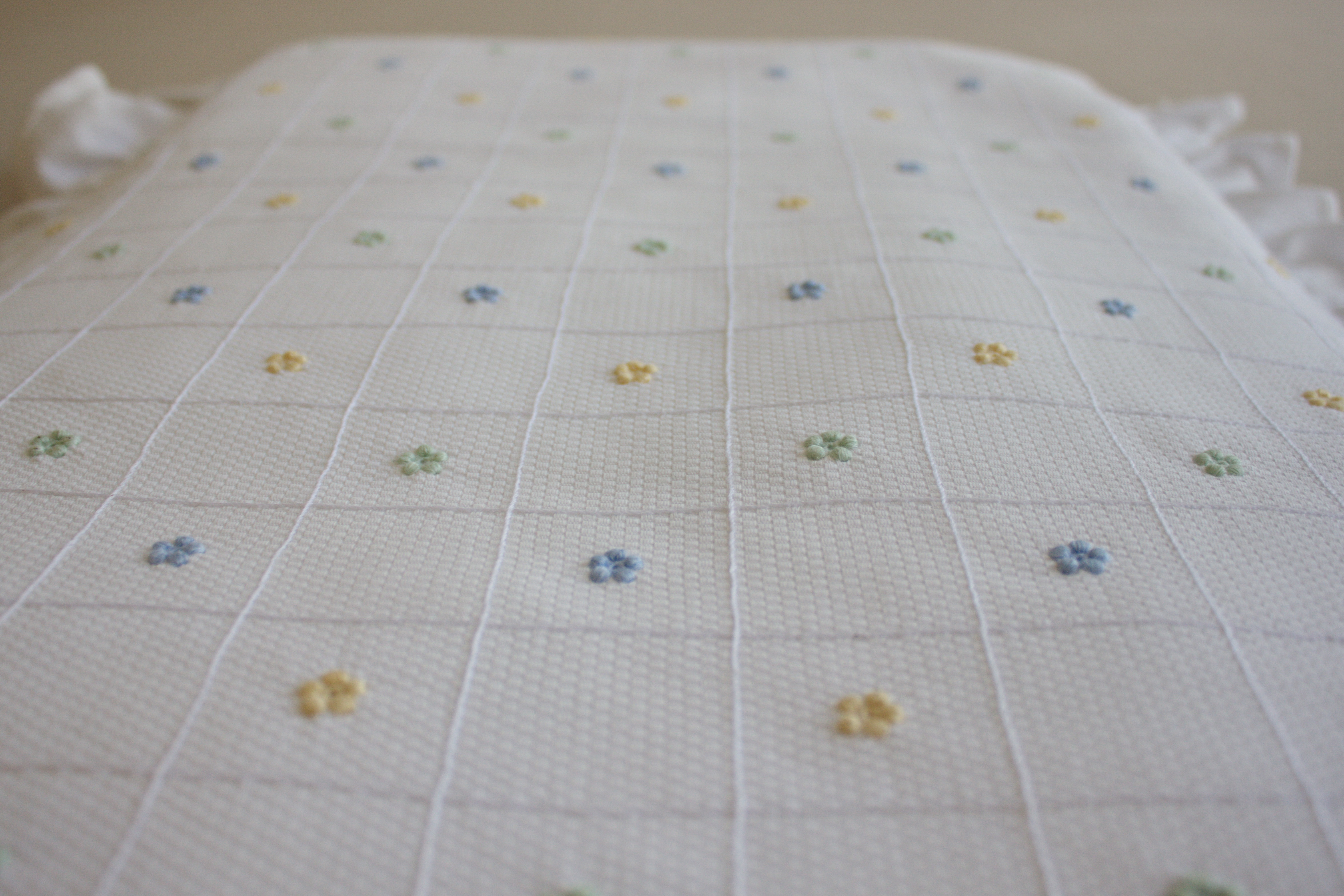 Baby and childrens bedding madeira embroidery for Table 80x120